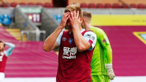 Matěj Vydra v utkání Premier League proti Sheffieldu (jaro 2020)