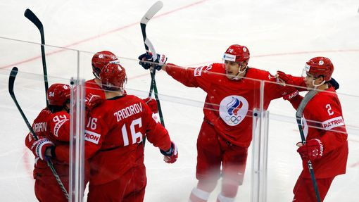 Rusové slaví gól v zápase Česko - Rusko na MS 2021